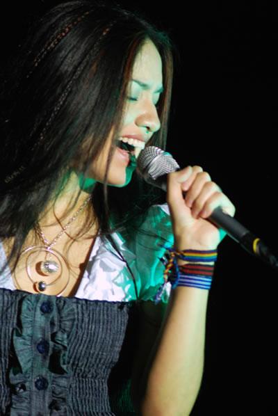 Shery en Guatecanto: click para ver las fotos!